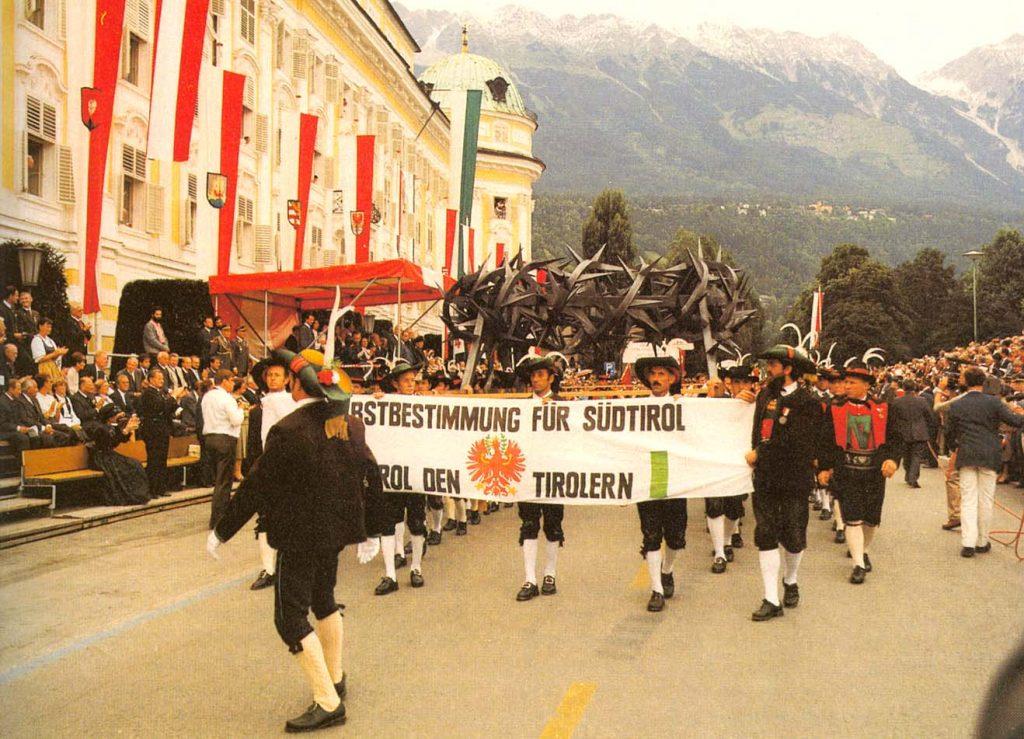 Transparent: Selbstbestimmung für Südtirol
